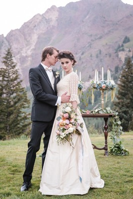 Regal French Wedding Ideas in the Mountains of Utah