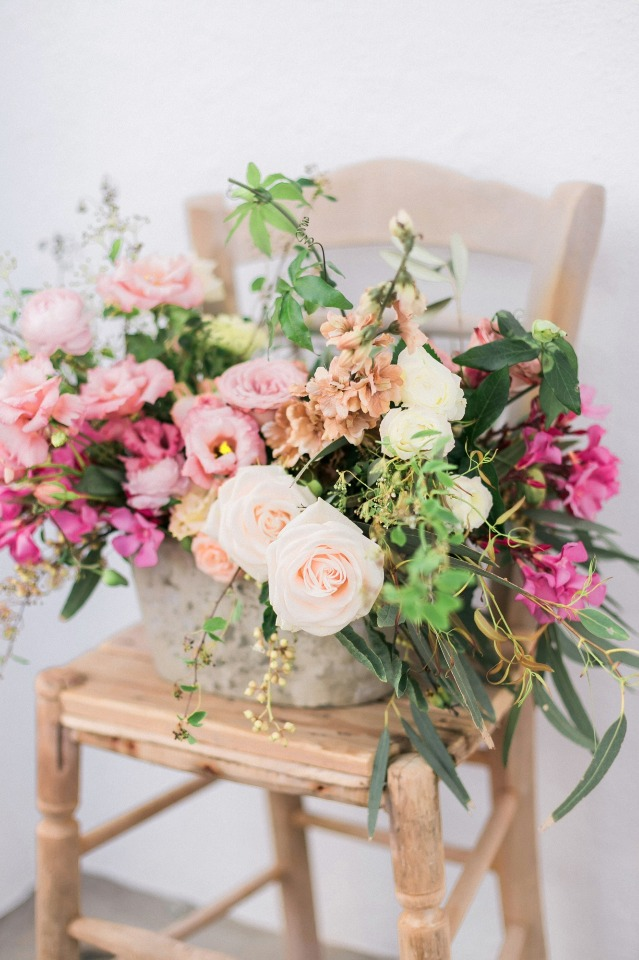 fresh flowers for your summer time wedding in Greece