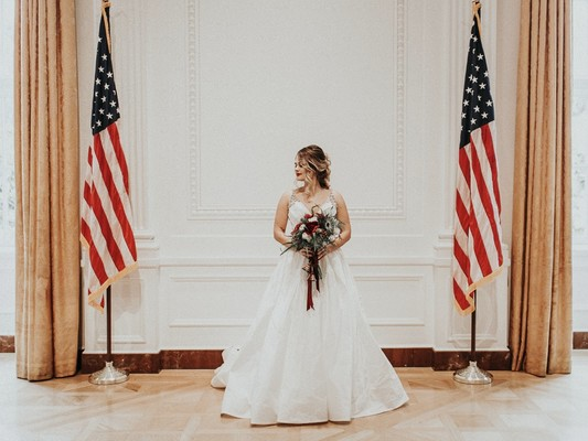 How To Have An Elegant 4th of July Wedding