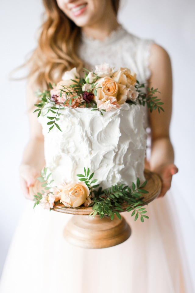 DIY wedding cake flowers