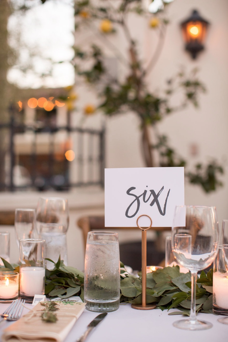 Chic table number