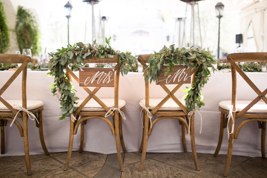 Chic Mr. and Mrs. chair signs