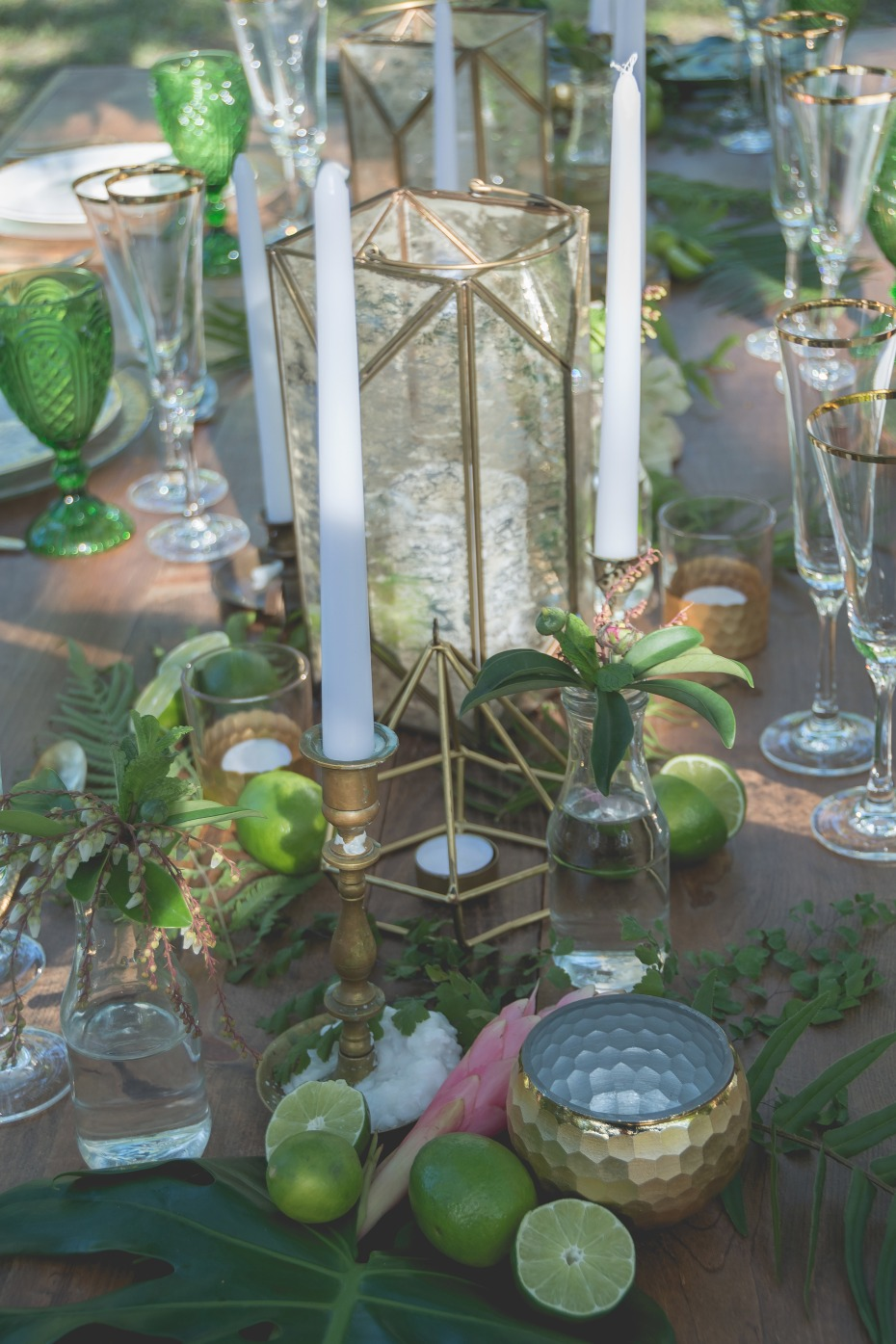 gold and green modern table decor