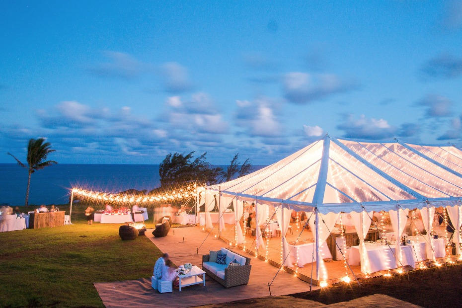 Dreamy tent reception
