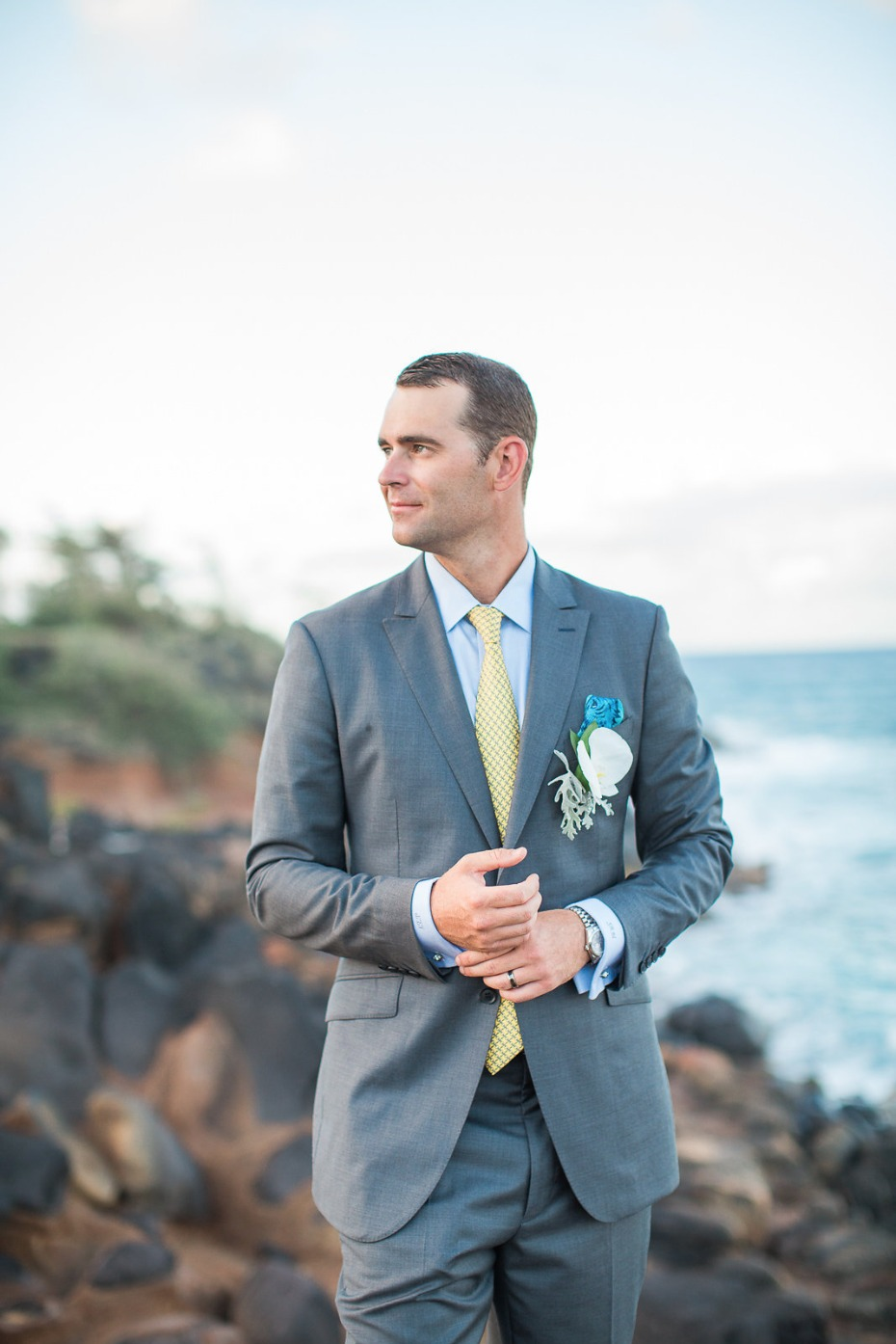 Beachy look for the groom