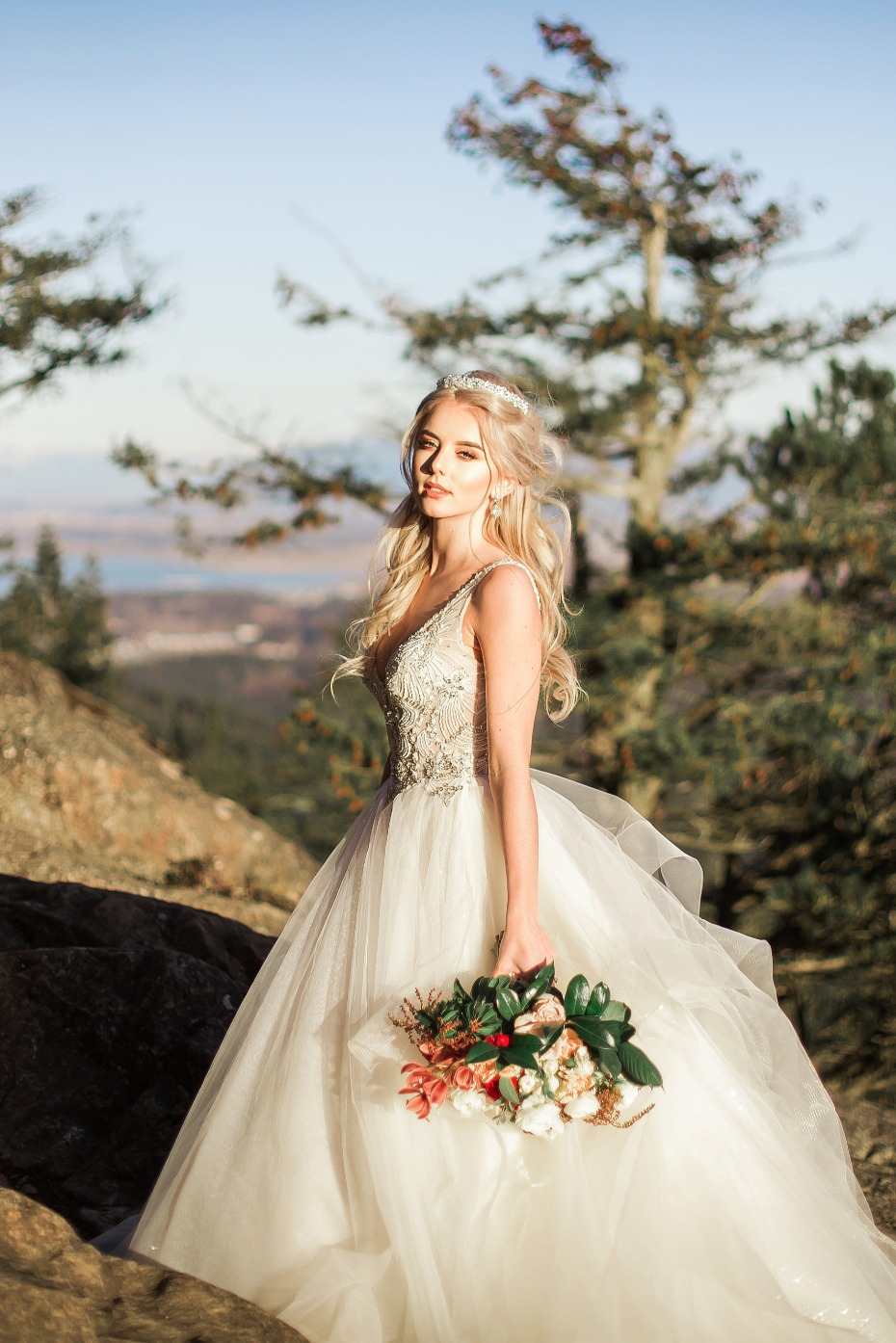 glammed up bride for her mountain top wedding