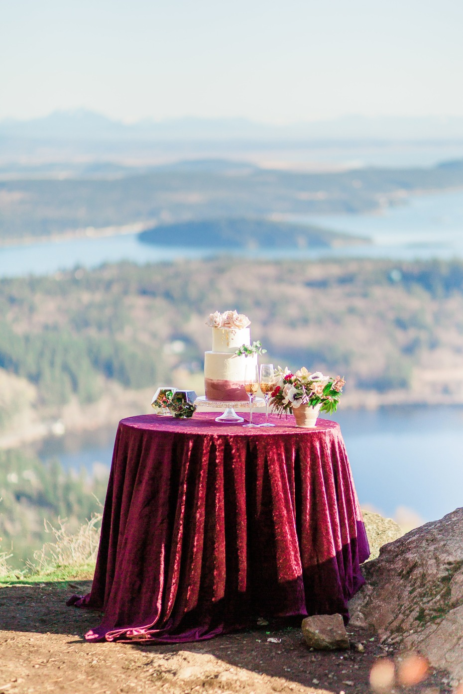 fall color pallet wedding cake table