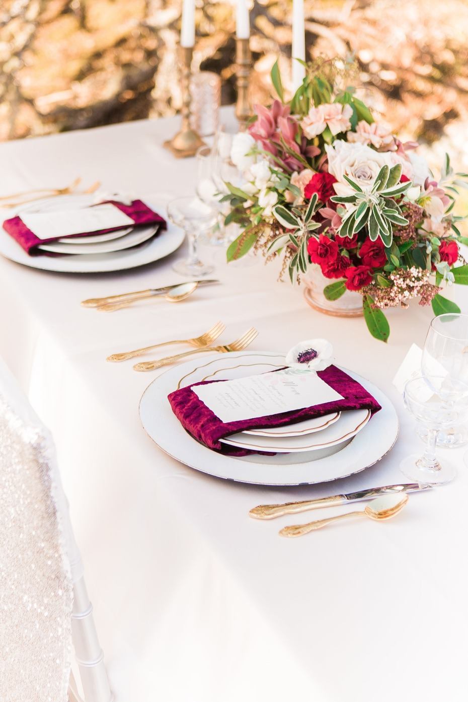 gold and burgundy wedding table