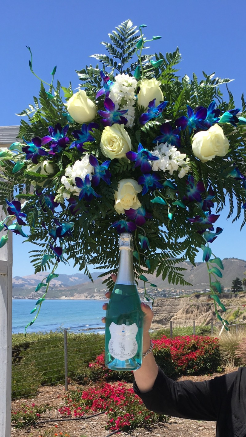 It's wedding season with Blanc de Bleu! A celebration with an ocean view and beautiful flowers!