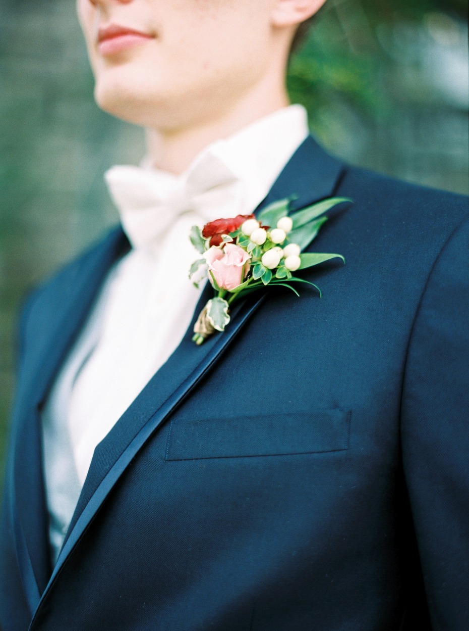 white tie and navy suit groom look