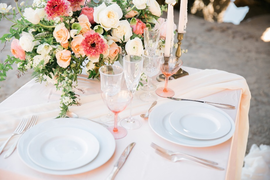summer time sweetheart table