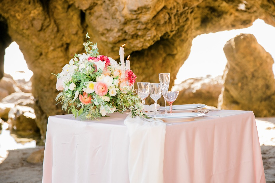 pink beach themed sweetheat table
