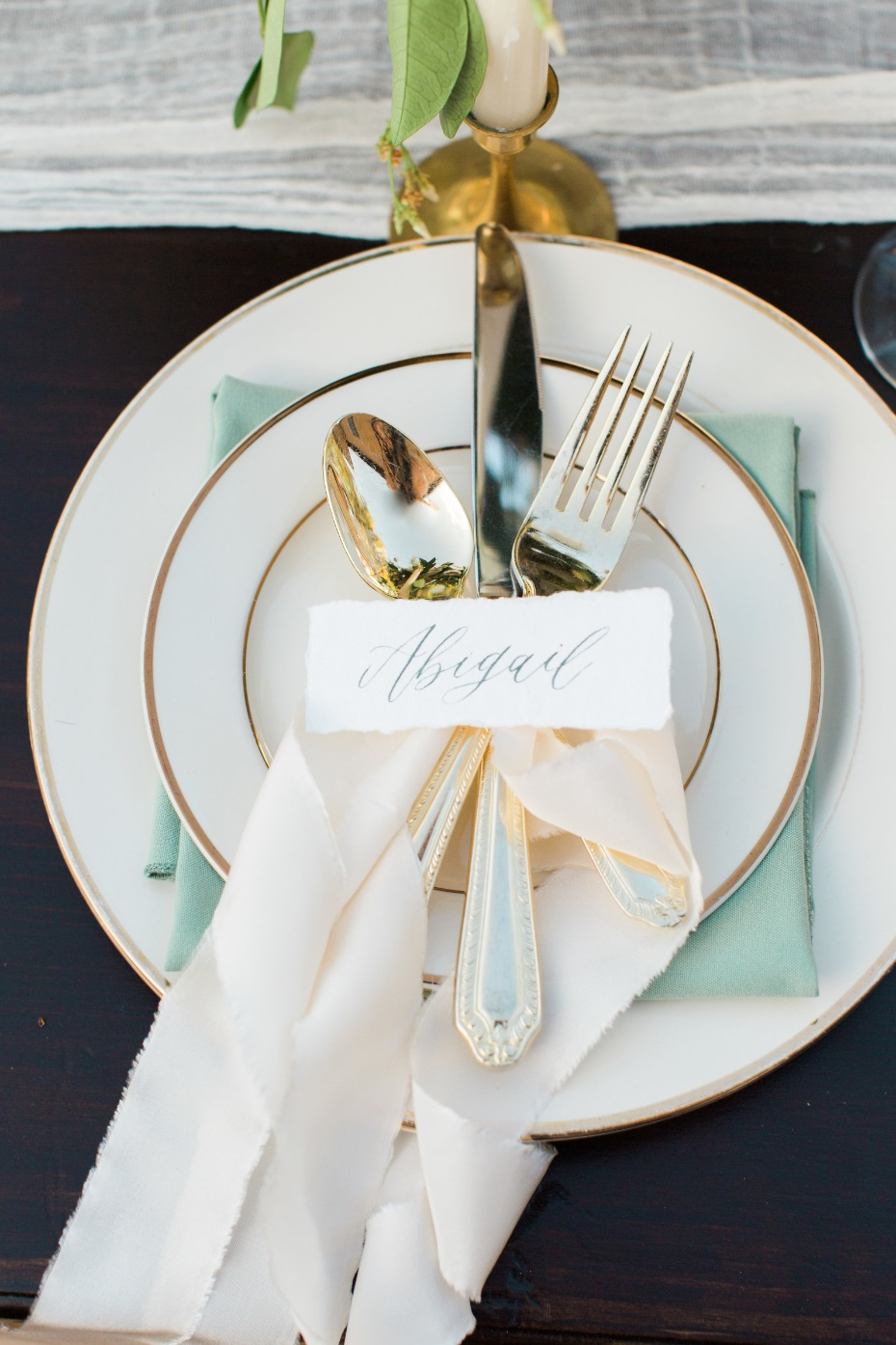 ivory mint and gold wedding table decor