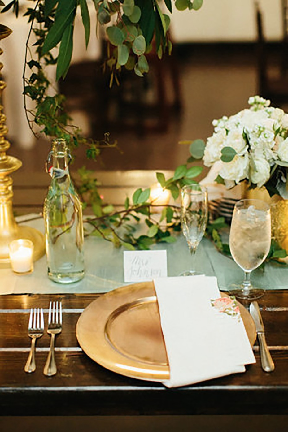 Natural gold and white table setting