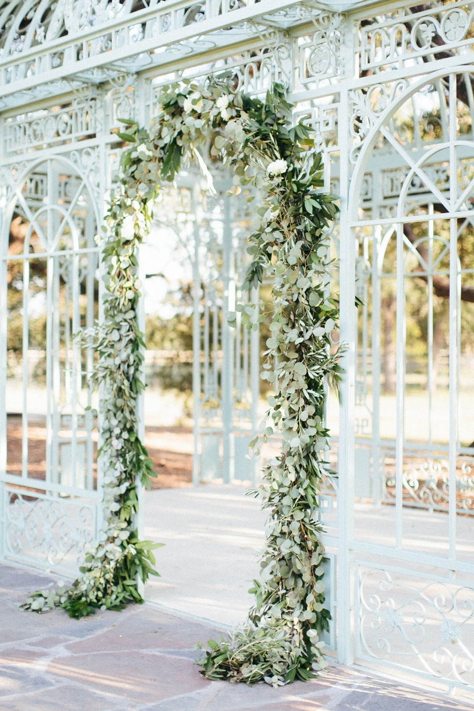 Gorgeous greenery arch with white roses