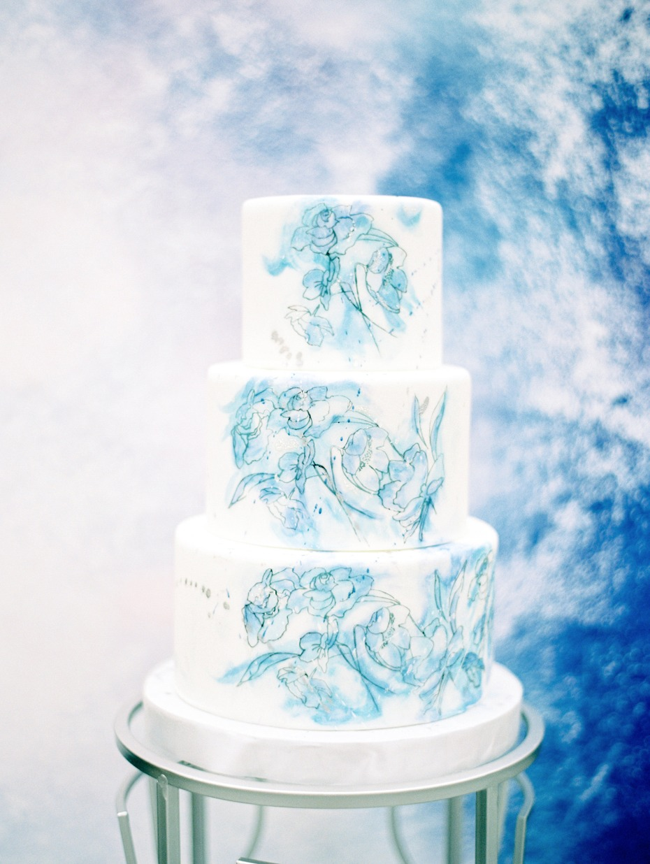 Blue and white watercolor cake
