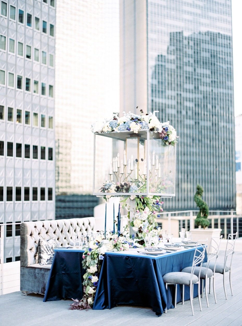 Luxury table decor with oversized centerpiece