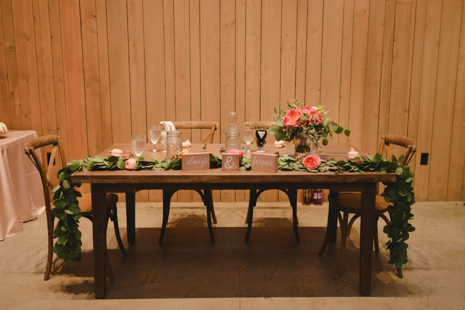 romantic rustic chic wedding table decor