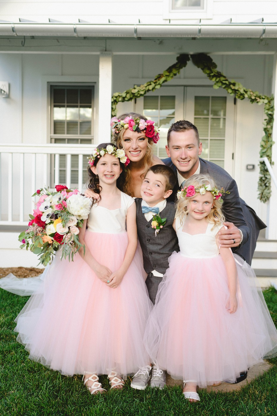 flower girls in cute tulle dresses