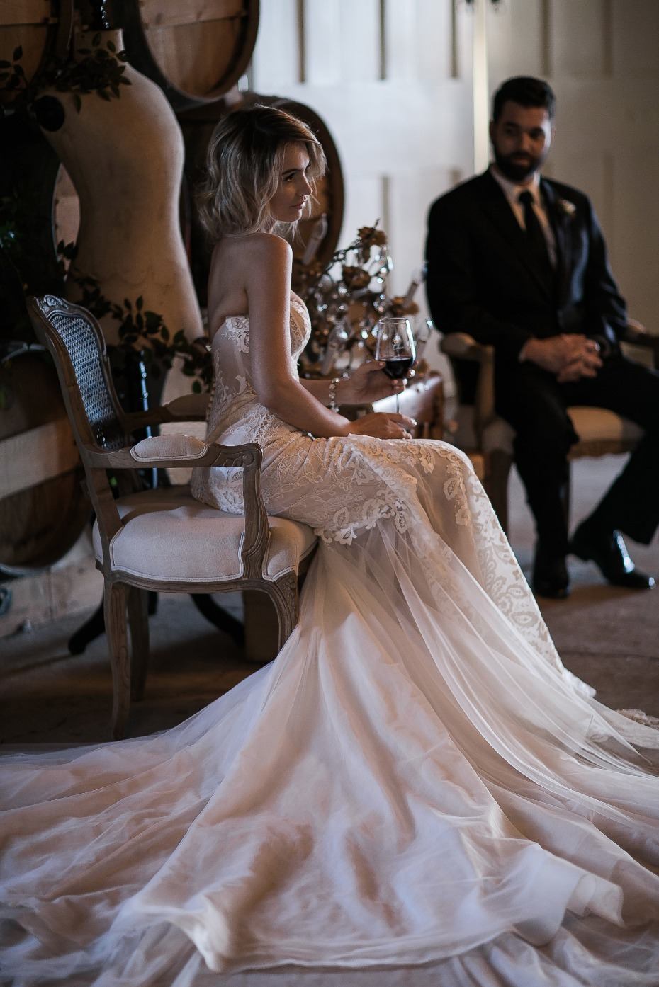 dramatic wedding style for the bride