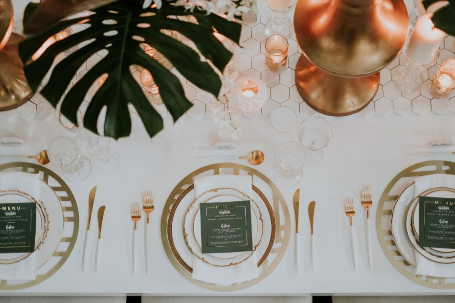 Tropical glam place setting