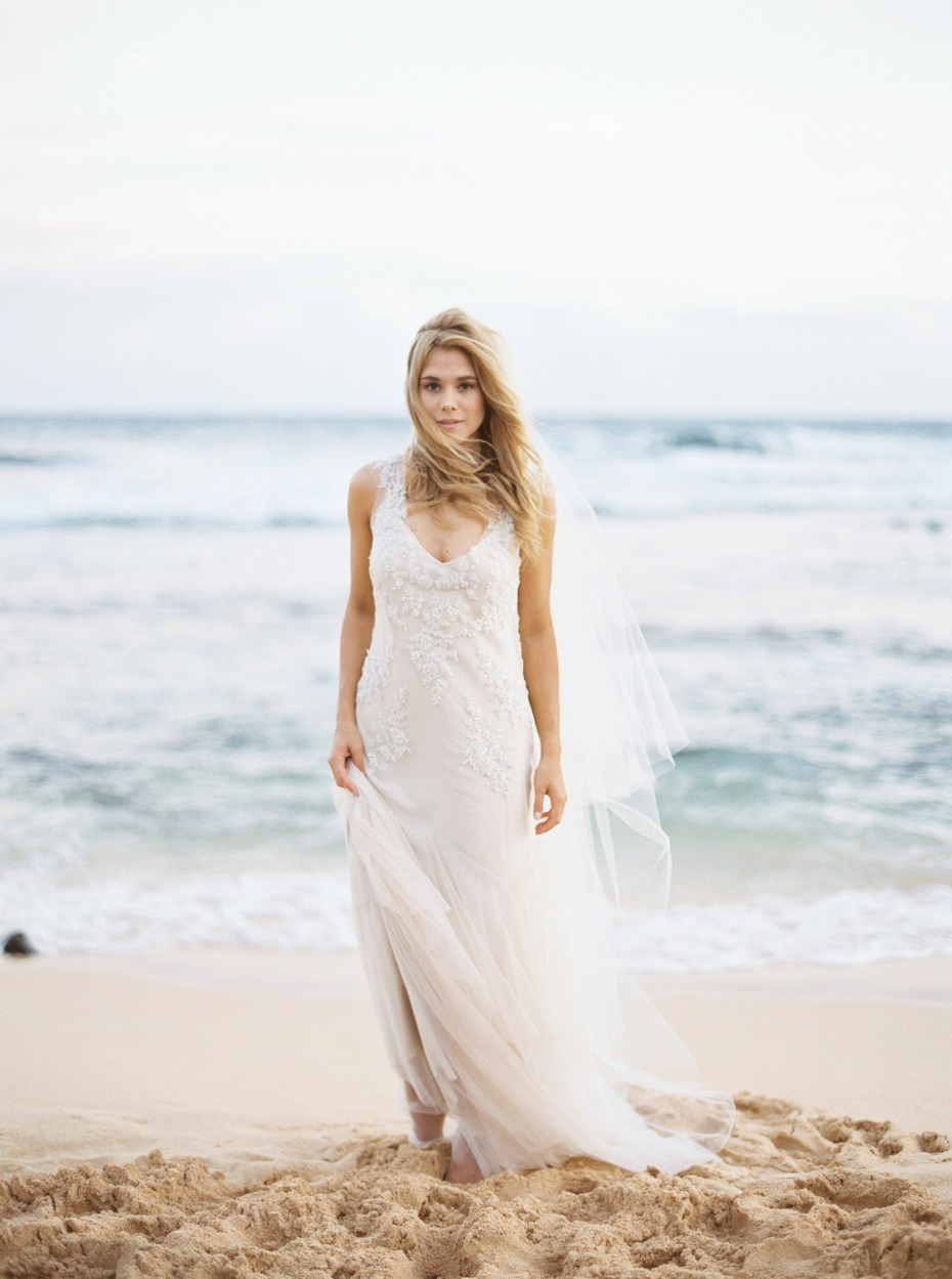 Gorgeous beach bridal look