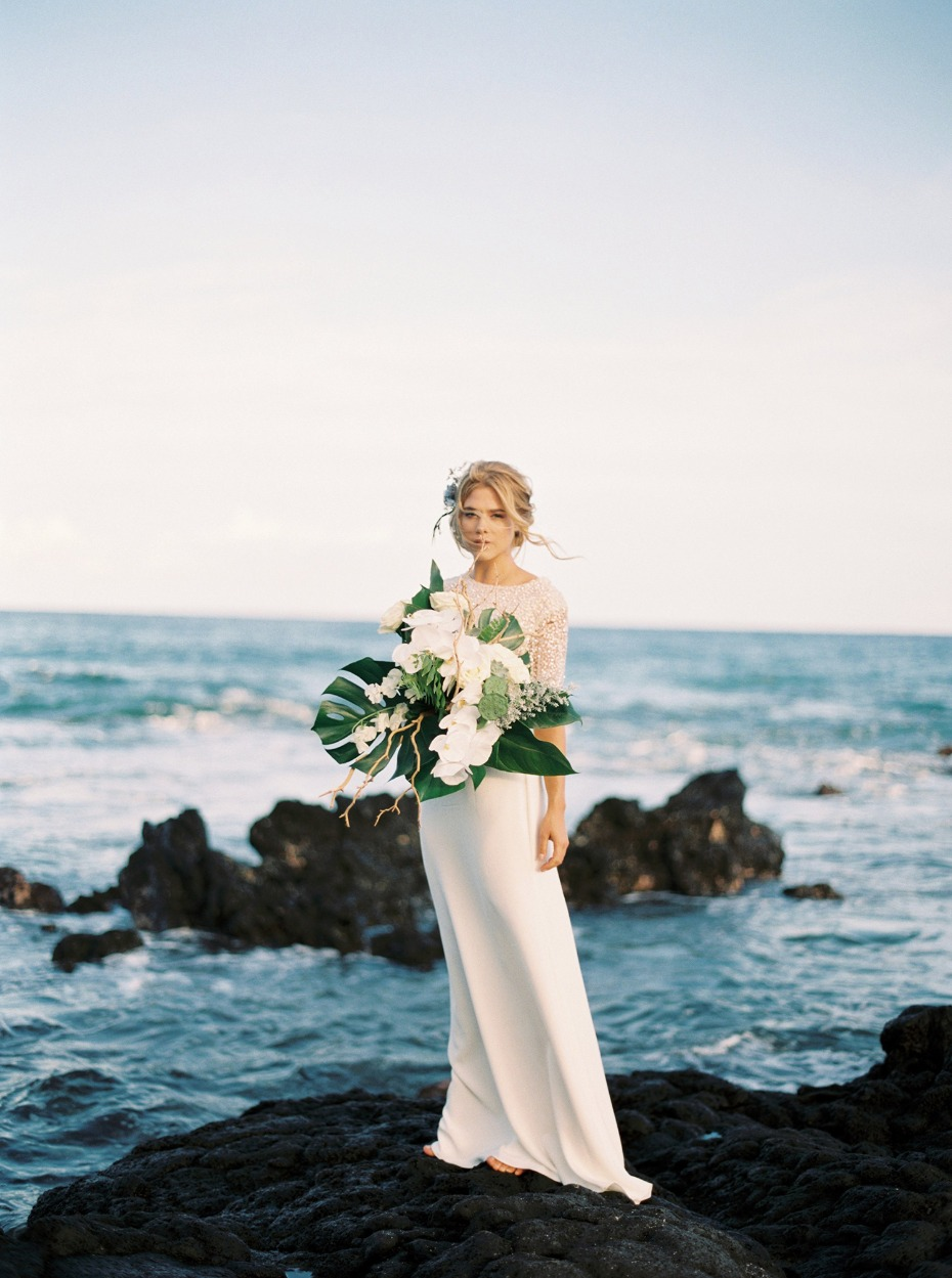 Dreamy bridal look in Hawaii