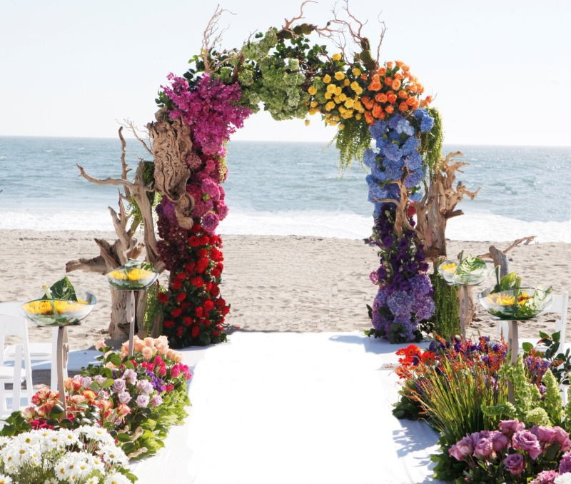 Ummm ... we have no words for this beach wedding! WOW