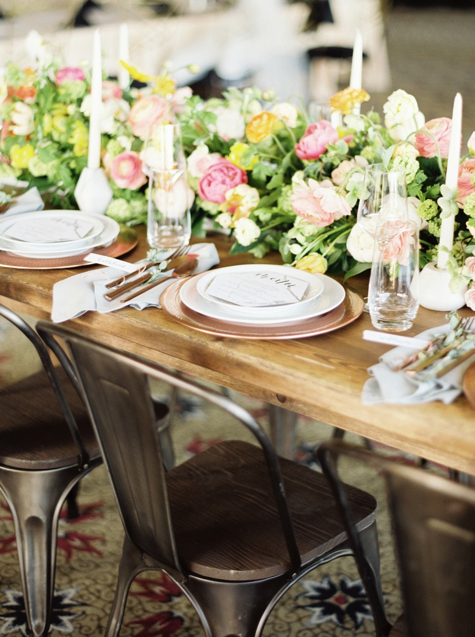 Naturally chic tablescape