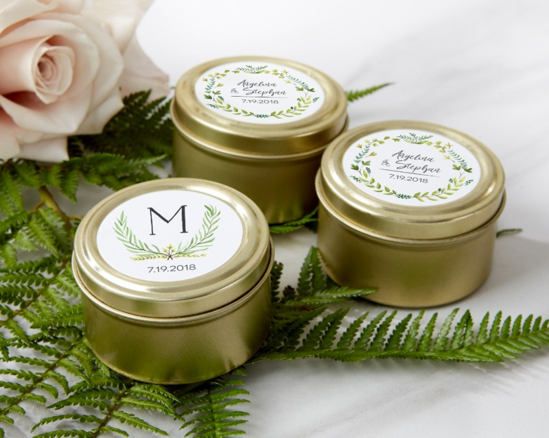 ✨🍃 Take the lid off these beautiful golden wedding favor containers to reveal a bevy of treats, candies and other trinkets that