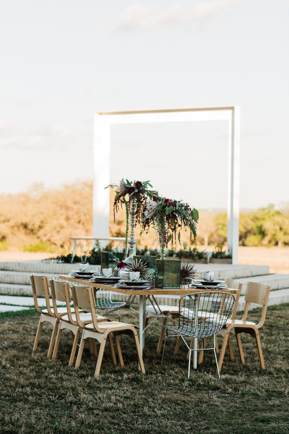 modern garden chic wedding table
