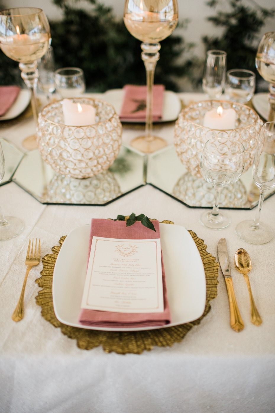 gold white and pink wedding table