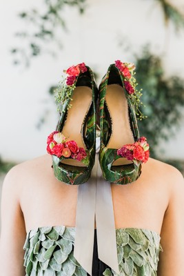 This Modern Chic Shoot Took Going Green To The Next Level!