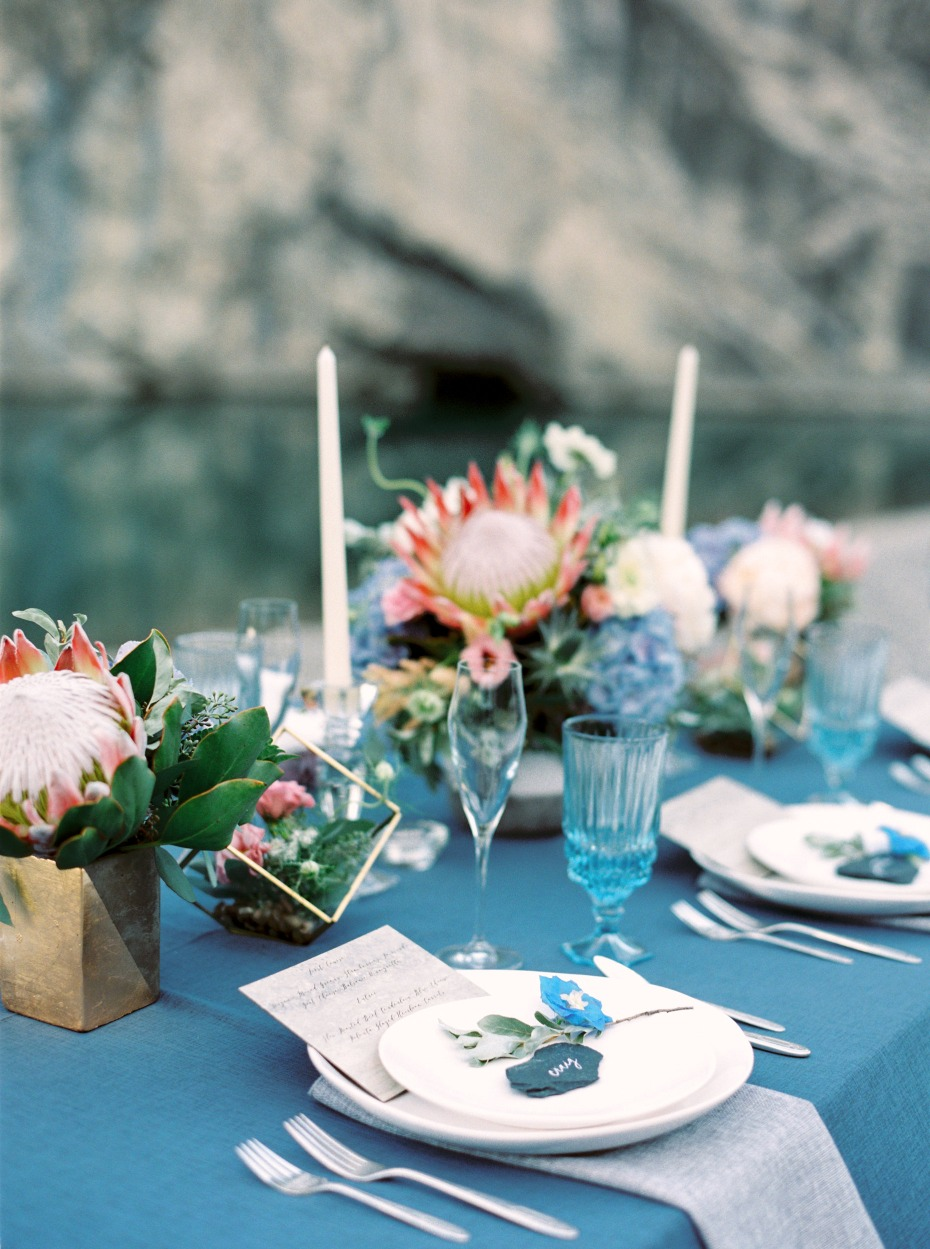 blue and pink rustic chic table decor