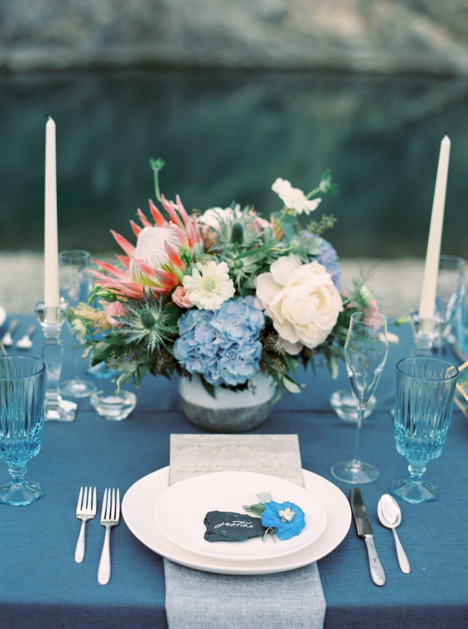 blue and grey wedding table