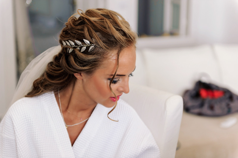Inspiration for wedding hair inspired from ancient Greece. See her story