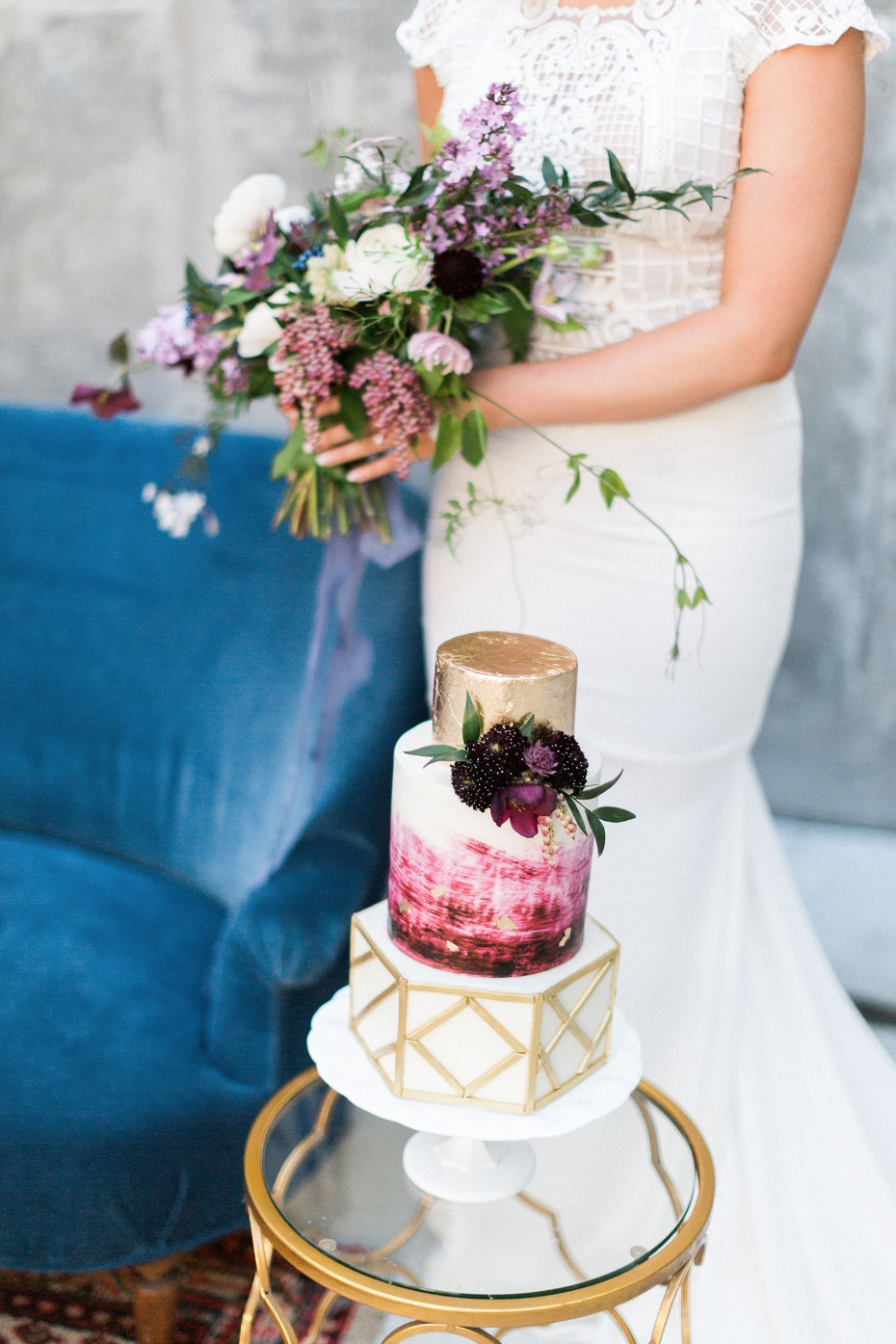 bouquet and modern wedding cake