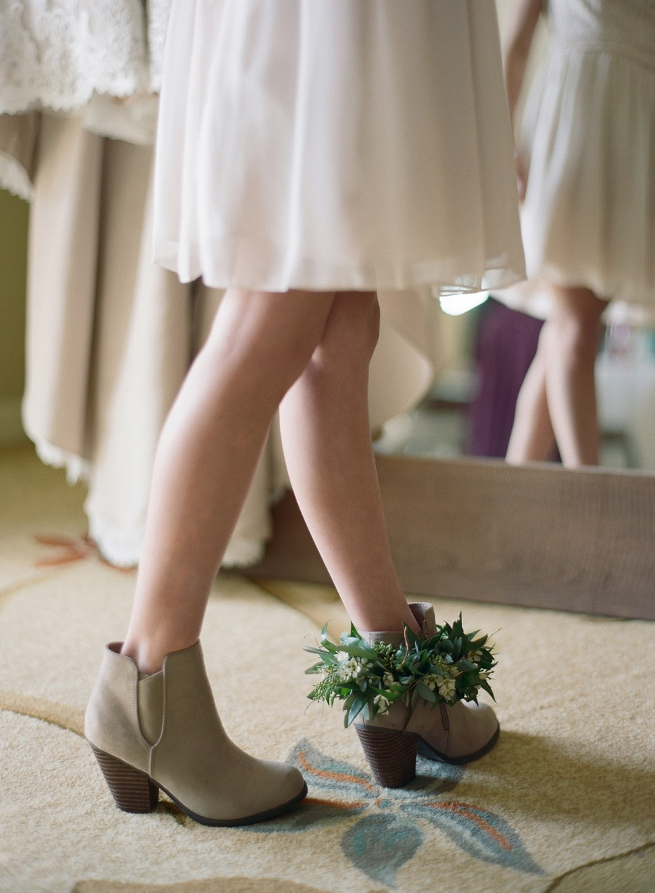 ankle greenery halo