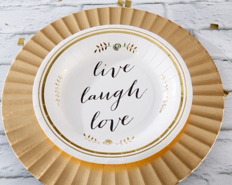 These paper plates make wonderful classic additions to bridal showers, birthday parties, anniversary parties, and so much more!