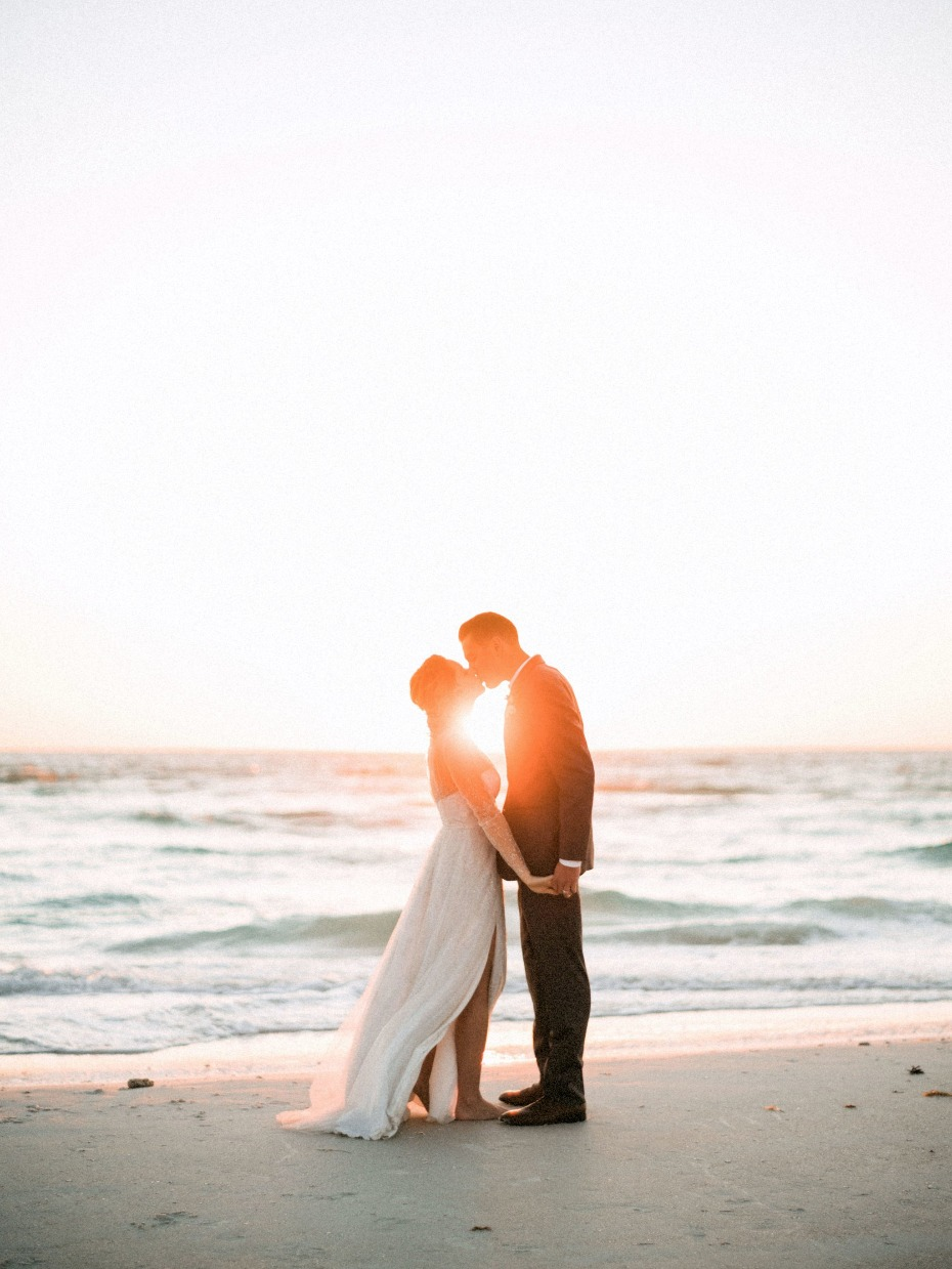 SWOON! beach weddings are everything