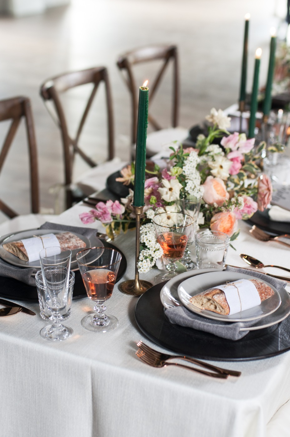gold grey and white wedding table ideas