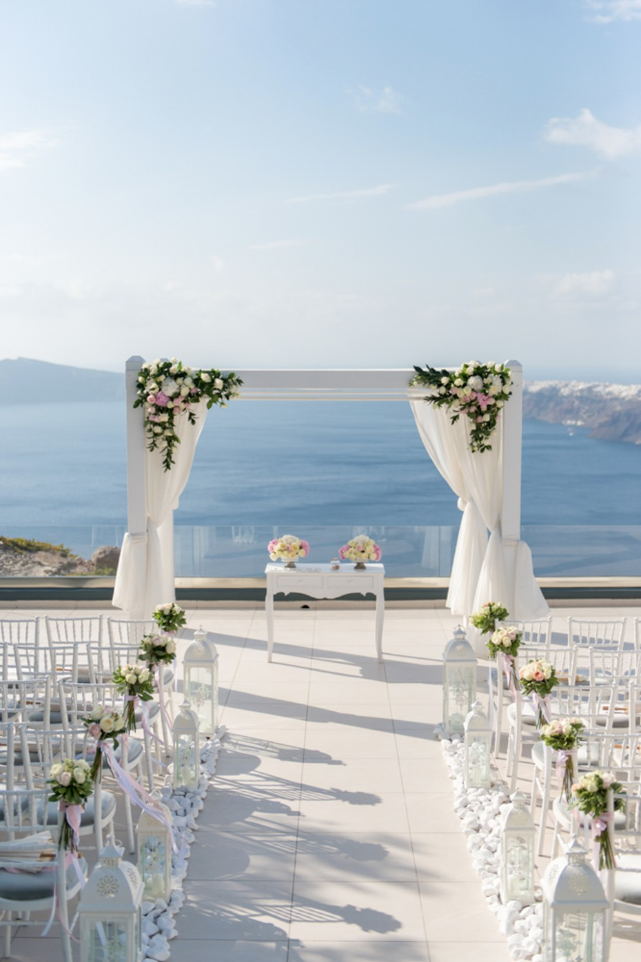 Santorini wedding with a VIEW
