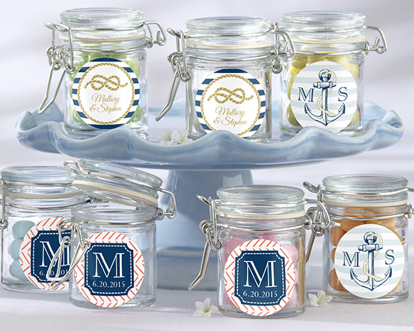 🌊 You can put a variety of treats inside these old-fashioned-styled jars for your guests to enjoy.