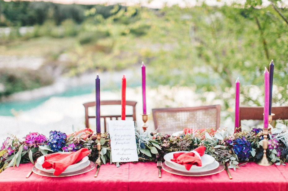 Colorful berry and red table decor