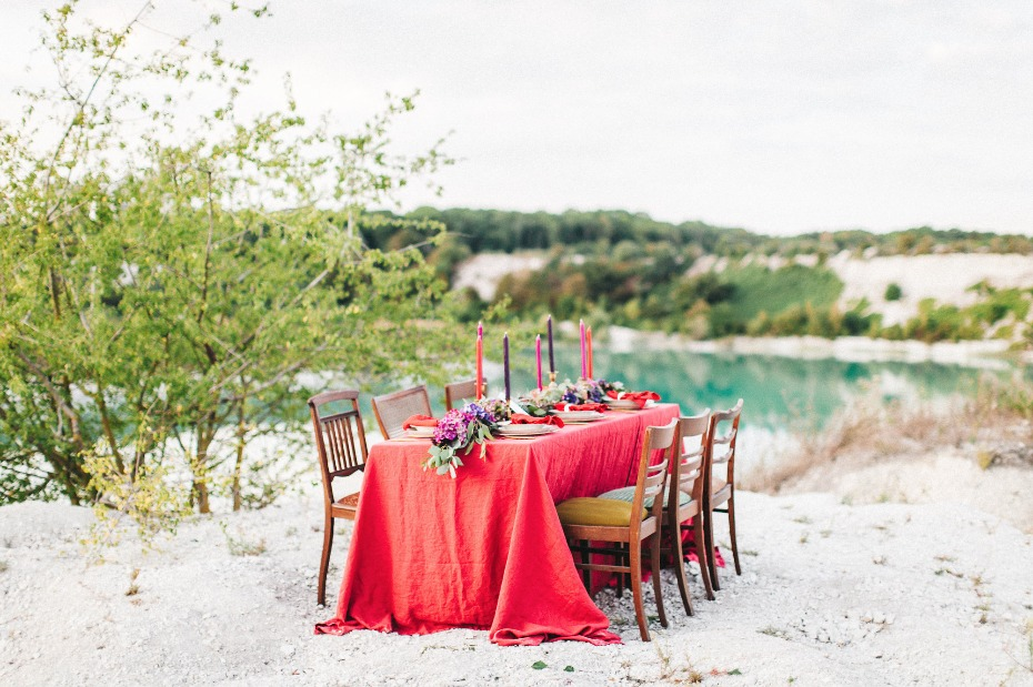 Dreamy red toned tablescape