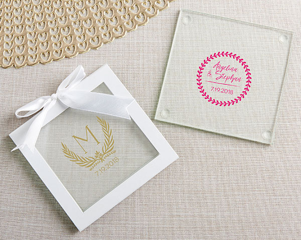 ✨ Show off your style when you place these beautifully personalized coaster favors on the tables for your guests at your botanical