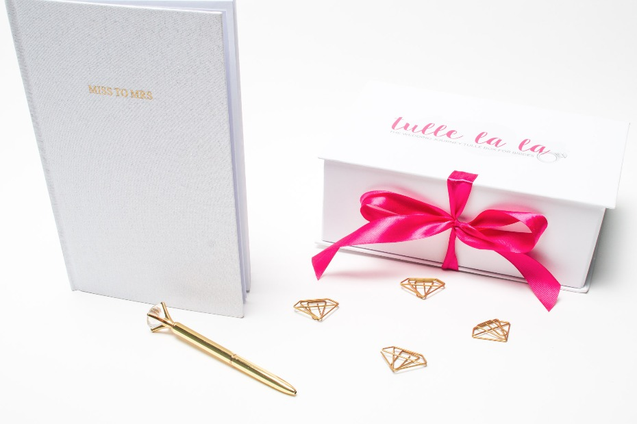 Mini bridal subscription box from Tulle La La