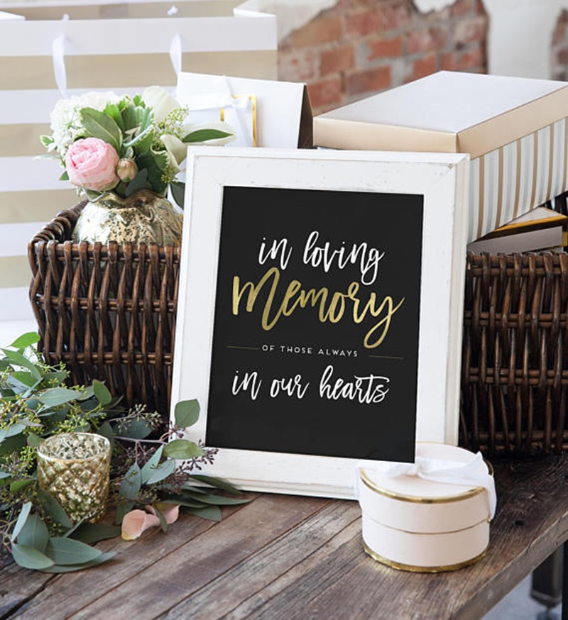Miss Design Berry's wedding sign features modern text with gold accents. If you wish to change the gold to another color, you have