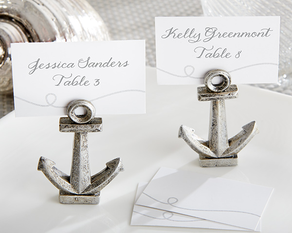 🌊 You love the beach and you love the ocean, so you'll adore these nautical anchor place card holders.