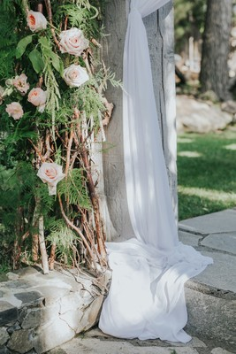 Rustic Never Looked so Glamorous at this Calamigos Ranch Wedding